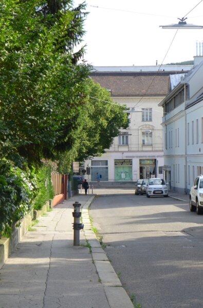Entzückende, ruhige und freundliche 3 Zimmer Altbauwohnung in Grünlage /  / 1140Wien / Bild 7