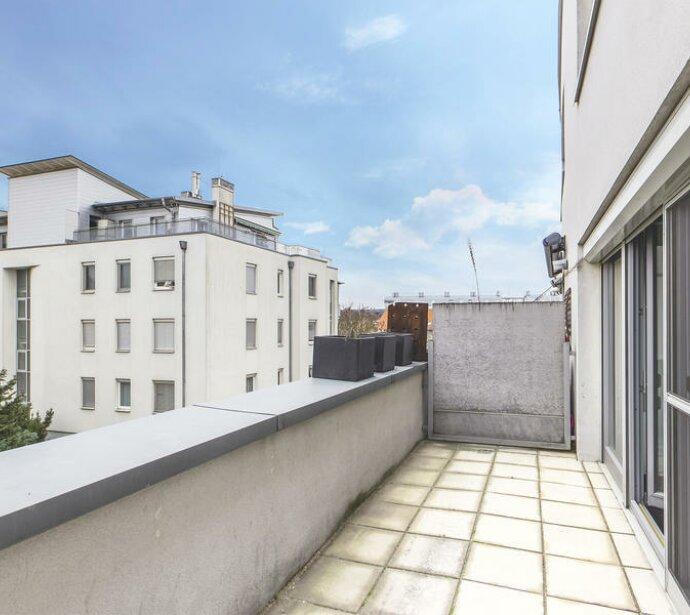 Supernette Maisonette mit Terrasse, Garagenplatz und Charme!