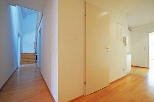 ALSER STRASSE   4-Zimmer-DG-Maisonette mit Terrasse in gepflegtem Altbau   AKH, Lange Gasse