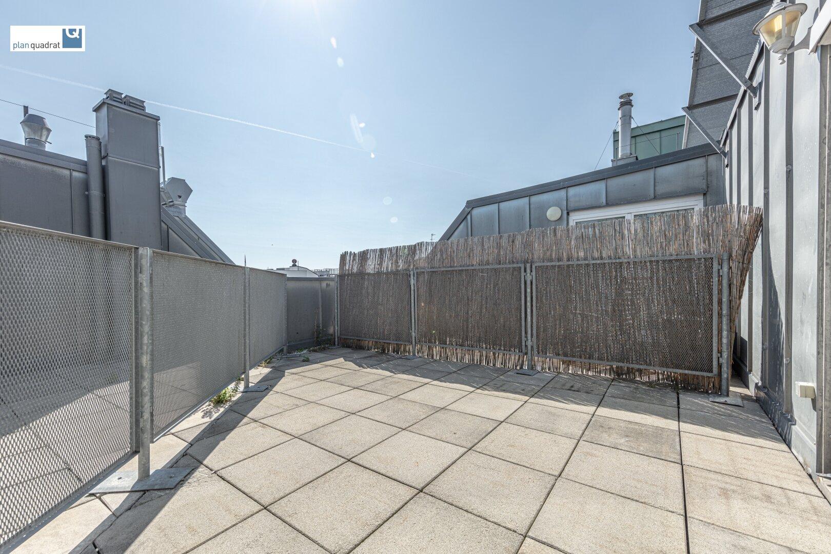 Terrasse (ca. 16,30 m²)