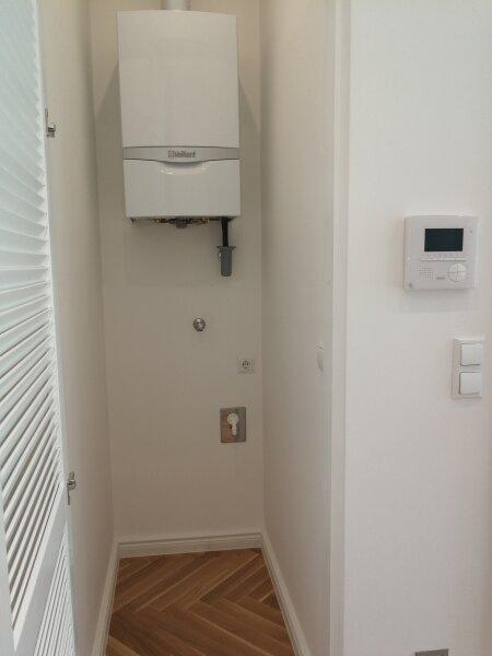 ERSTBEZUG - 4 Zimmer ALTBAU top saniert - 1030 Wien - 3. OG Top 17 ------ U Bahn Nähe - LOGGIA  - Schlafzimmer Hofseitig /  / 1030Wien / Bild 9