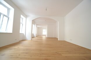 Provisionsfrei: Barrierefreies elegantes Erdgeschoß-Loft/ Free of commission: Barrier-free elegant ground floor loft