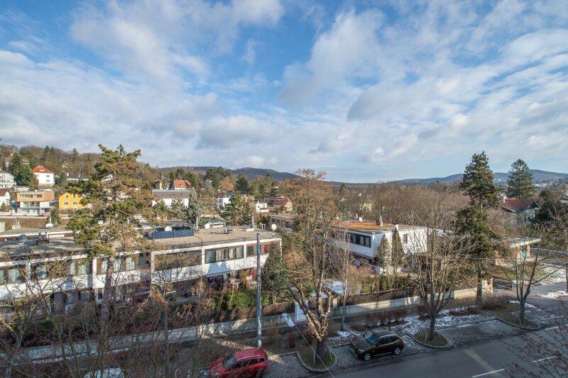 ++NEU++ ERSTBEZUG: Kernsanierte DG-Wohnung in Stilvilla! idyllischer Garten! **perfekt für Anleger** /  / 1140Wien / Bild 6