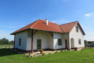 Ungarn: Sehr schönes Wohnhaus mit viel Grund nähe Grenze!