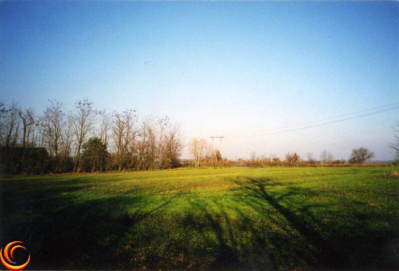 Großes Grundstück mit altem Bauernhaus