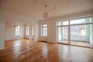 Seltene Gelegenheit! Große Wohnung in repräsentativer Villa zu kaufen