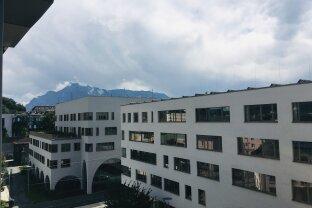 3 Zi. Wohnung mit Loggia - schick - modern und nahe LKH