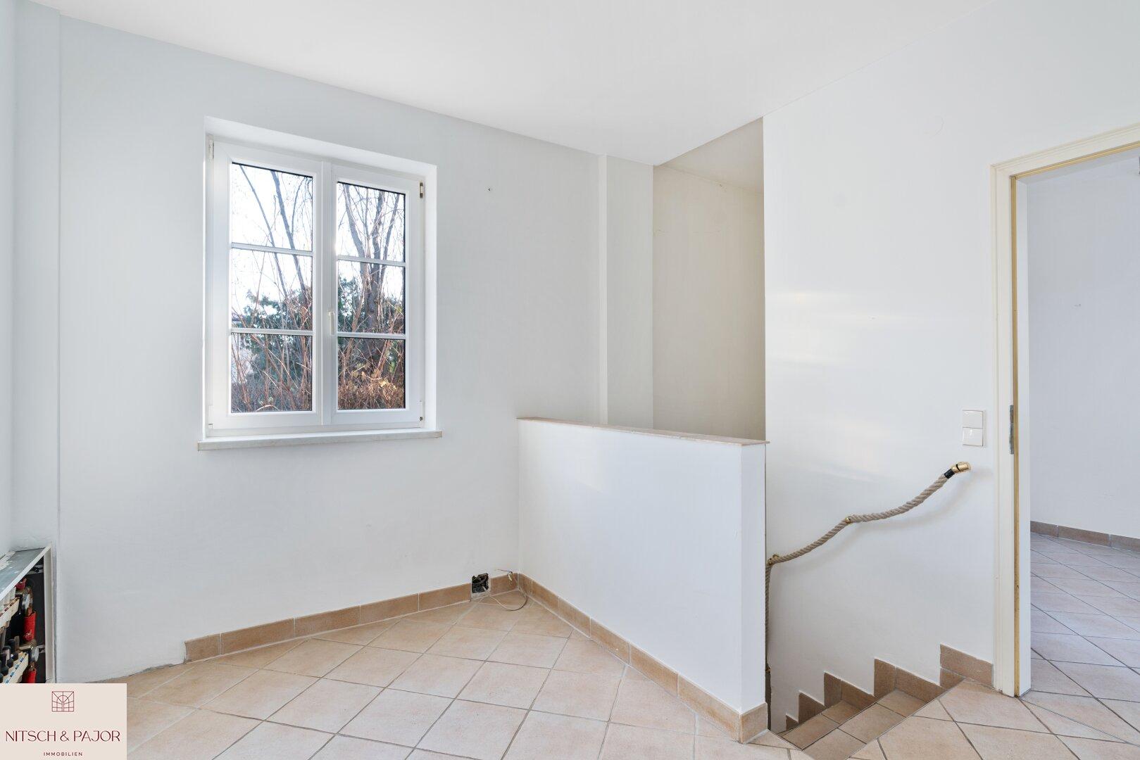 Vorraum - Treppen zum Keller