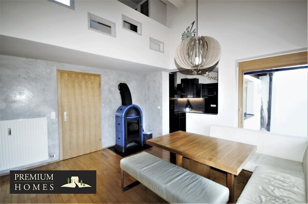 Breitenbach-Dorf-Mietwohnung-Wohnzimmer mit Galerie