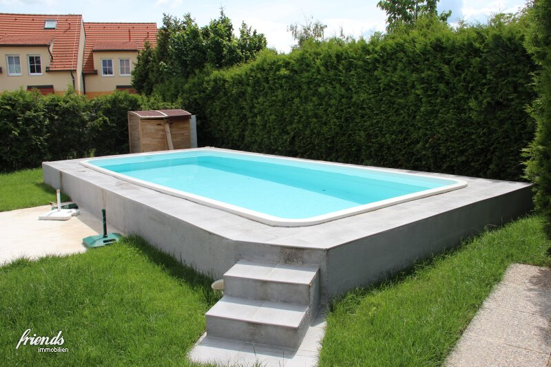 Viel Platz - günstige Miete - und ein Pool!