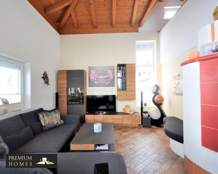 Kirchbichl Zweifamilienhaus_ hohe Qualität mit Modernem Design_Wohnzimmer