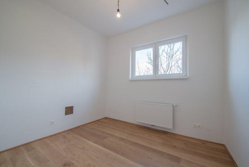 ++NEU++ ERSTBEZUG: Kernsanierte DG-Wohnung in Stilvilla! idyllischer Garten! **perfekt für Anleger** /  / 1140Wien / Bild 2