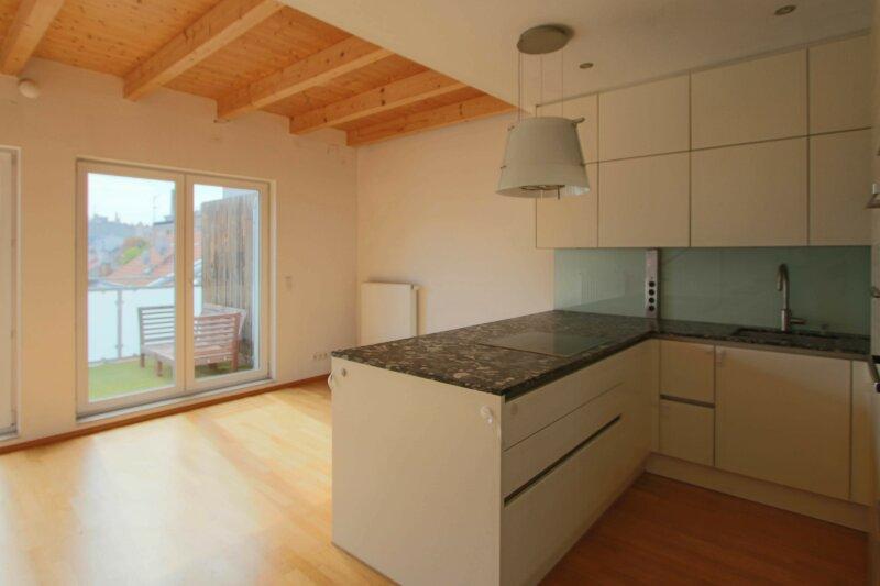Hochwertige DG Wohnung mit Balkon und Designküche! /  / 1160Wien / Bild 1