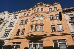 Büro-Praxisetage mit 6 Zimmern - Altbau