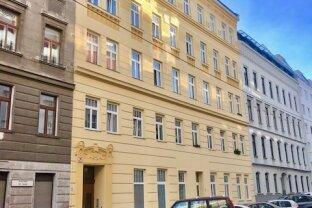 Exquisite 2-Zimmer  Altbau-Wohnug - ERSTBEZUG nach Renovierung!