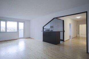 Schöne, großzügige 3 Zimmer Mietwohnung mit Traum Aussicht / Loggia / Parkplatz