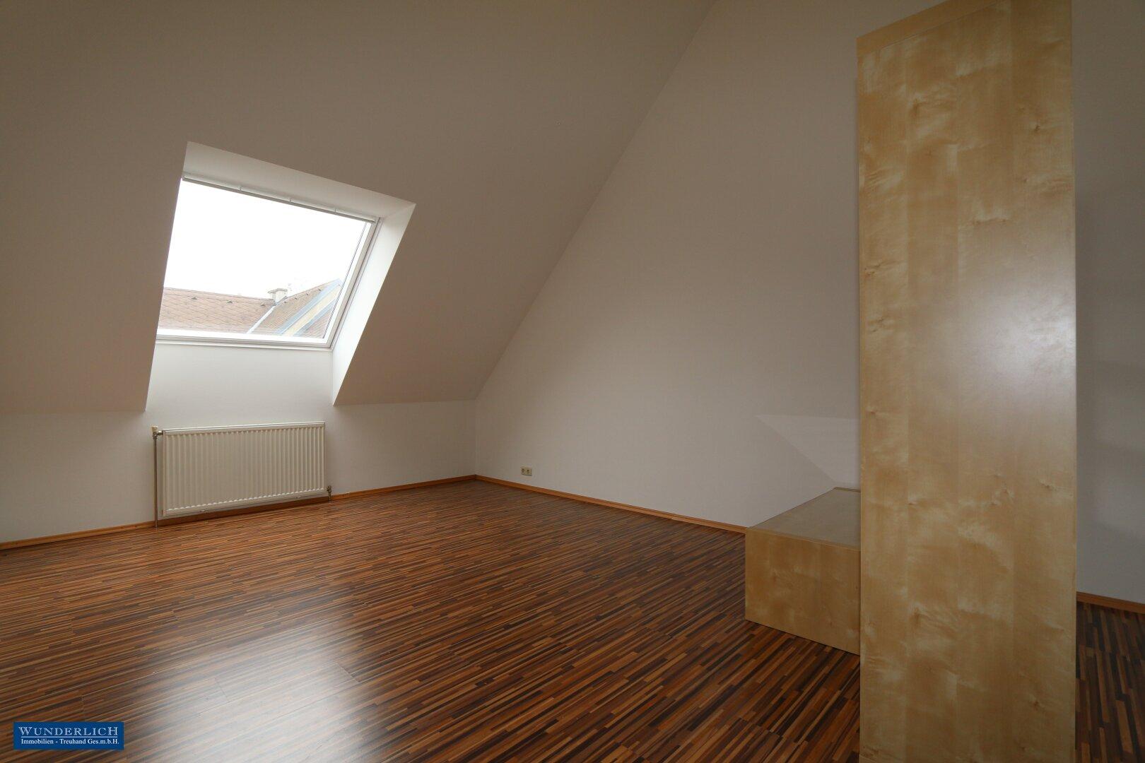 Atelier (Wohnbereich) im DG