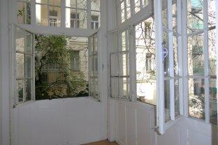 2- Zimmer-Wohnung mit charmanter Veranda in den ruhigen, begrünten Innenhof