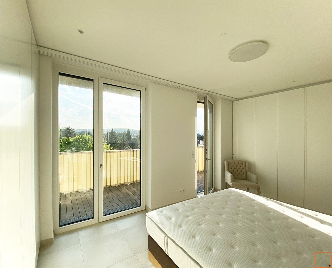 Schlafzimmer mit Schrankverbau