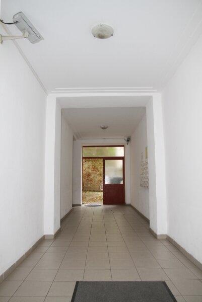 Klopstockgasse! BARRIEREFREI, HELL, RUHIG, SANIERT, Wohnzimmer mit 4 Fenstern, 2 Zimmer-Wohnung /  / 1170Wien / Bild 5