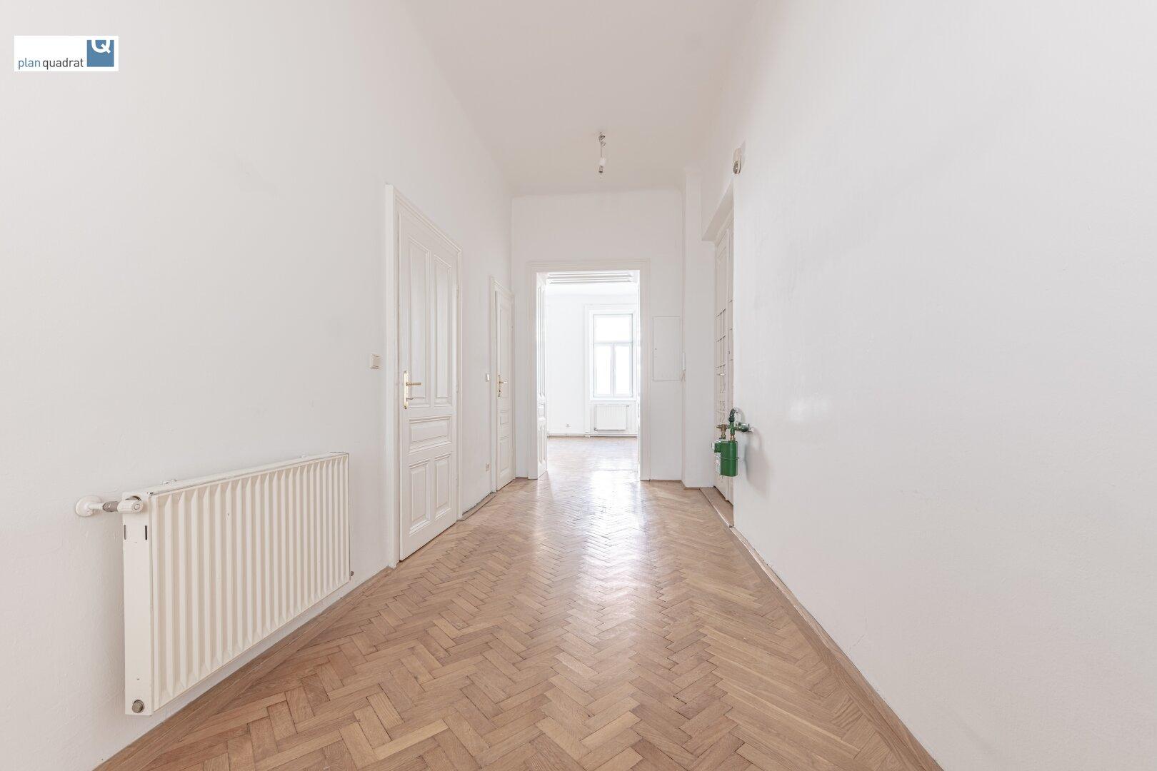 Vorraum (alle Räume zentral begehbar - ausgen. Zimmer 4 & Abstellraum)