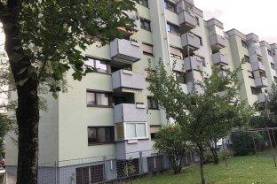 SCHWAZ -  3 Zimmerwohnung  - ideal  als Anlage