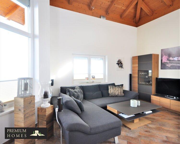 Kirchbichl Zweifamilienhaus_ hohe Qualität mit Modernem Design_Ansicht Wohnzimmer