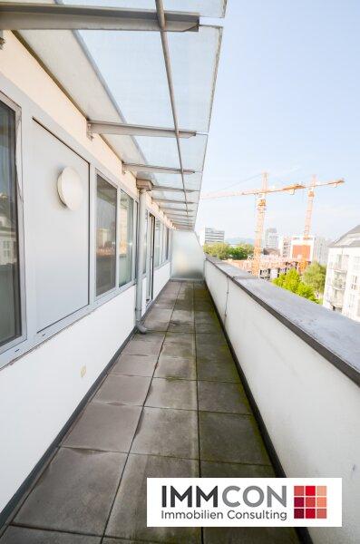 ATTRAKTIVE 2-ZIMMER-DACHGESCHOSSWOHNUNG mit großer Terrasse (Top 15) /  / 4020Linz / Bild 4