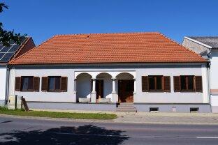 sonnige 1.750 m² Liegenschaft mit Wohnhaus, Einliegerwohnung und großzügigen Nebengebäuden