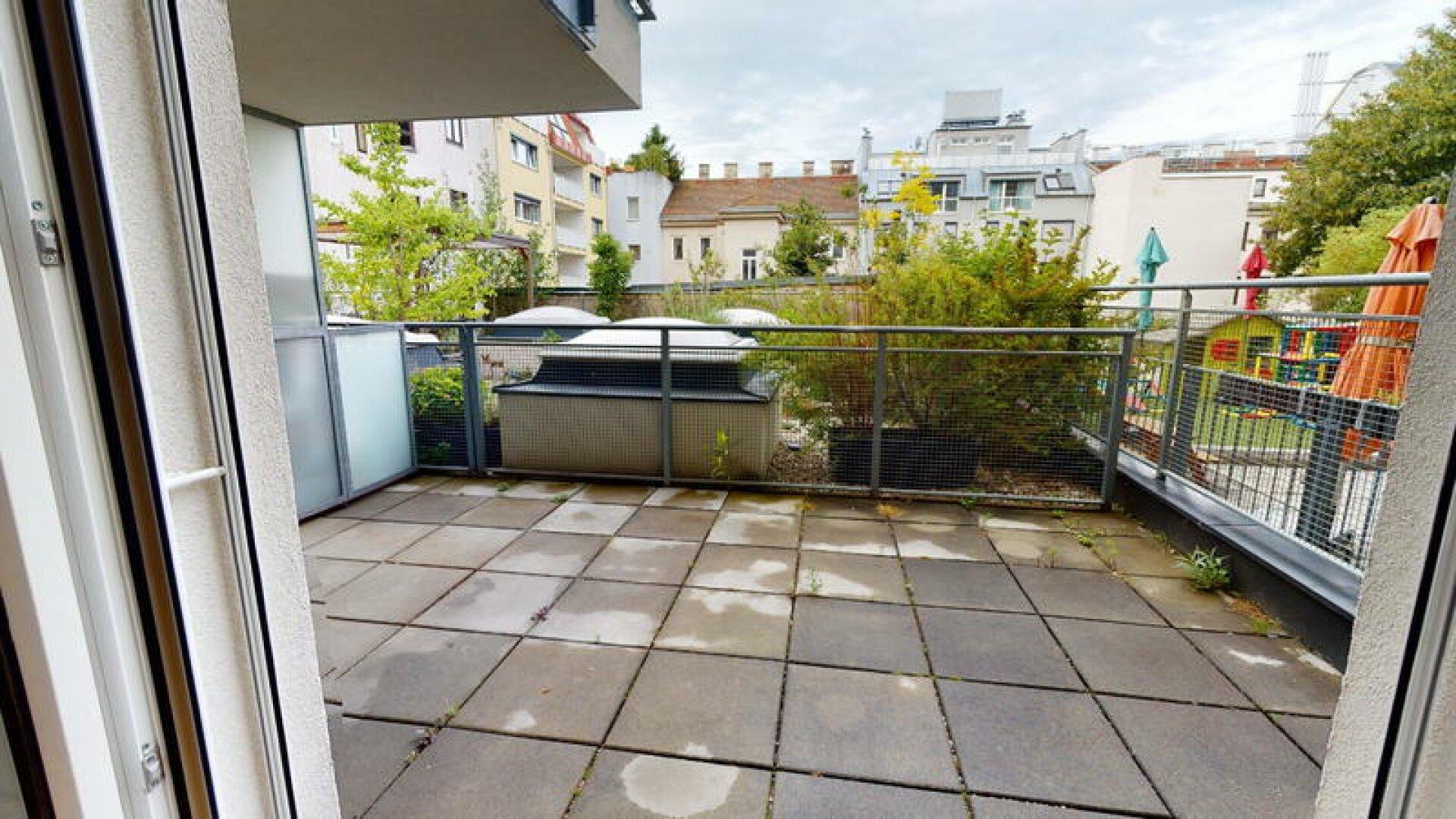 Schuttaustrae-50-Terrasse2
