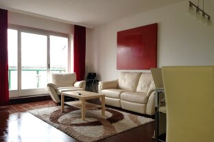 Fully furnished top floor apartment with terrace