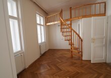 Umwerfender Altbauklassiker mit Wendeltreppe und 3 Zimmern in top Lage im 7. Bezirk!