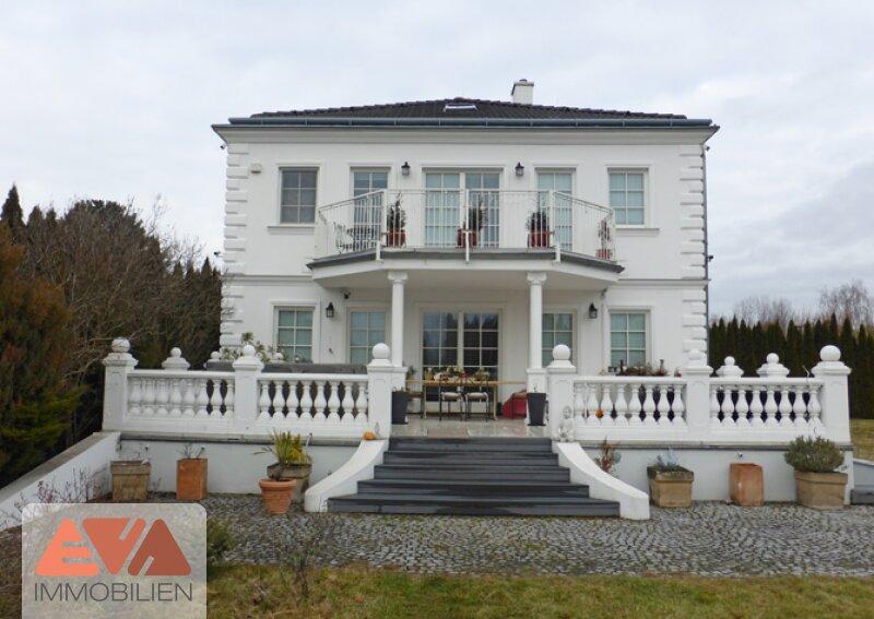 Großzügige Villa /  / 2500Baden / Bild 0