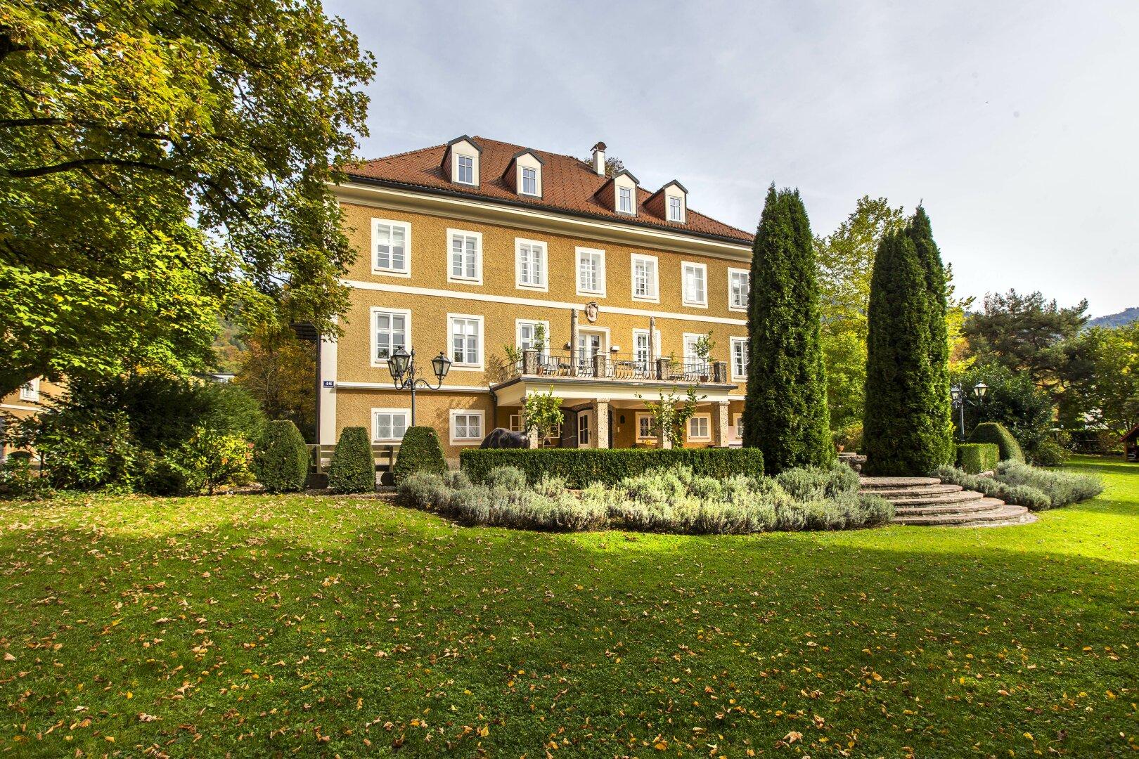 Historisches Herrenhaus in zentraler Lage