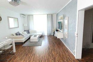 Neu sanierte Loggia-Wohnung mit wunderbarem Blick und Parkplatz um Netto 250.000,-- zu verkaufen