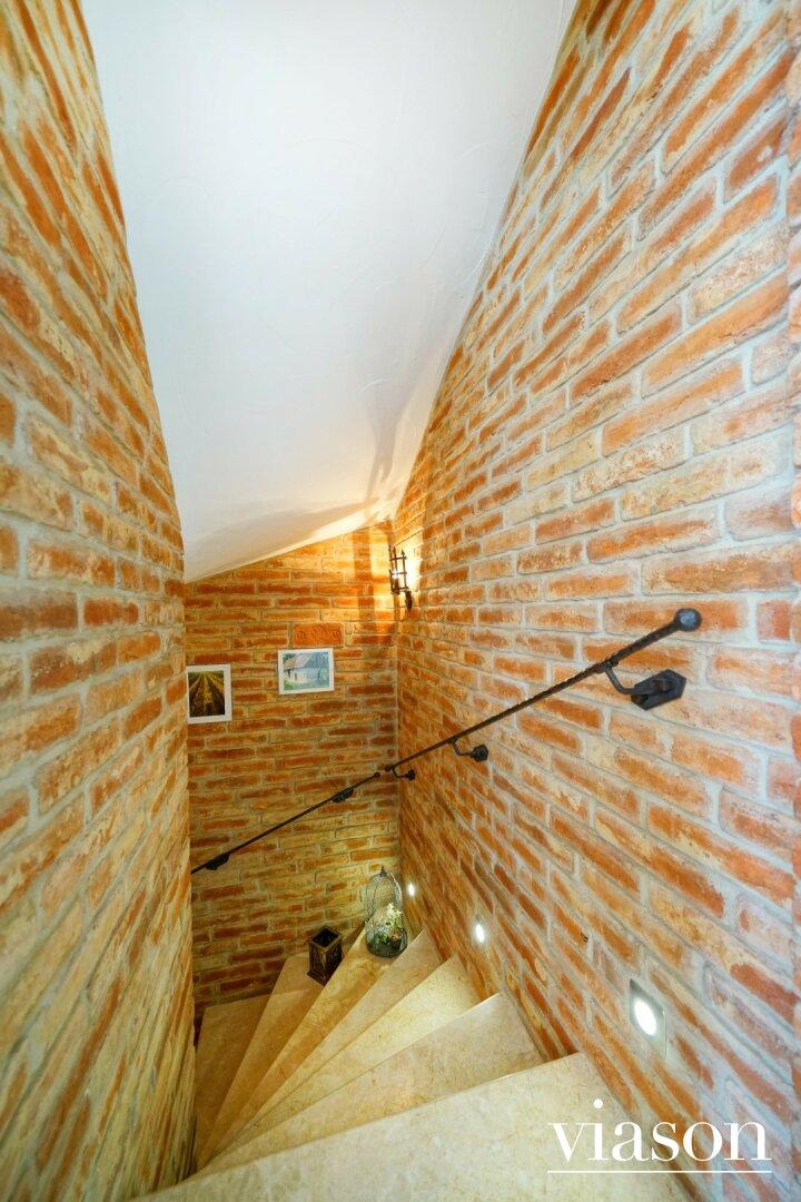 Stiegenabgang zum Keller
