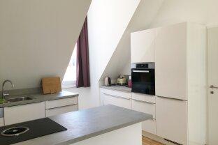 lässige 3 Zi. Dachgeschosswohnung mit großer Terrasse - PROVISIONSFREI für den Mieter