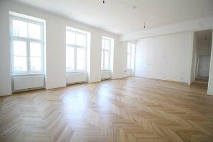 Altbauflair erstrahlt im neuen Glanz+++Top-sanierte zentral begehbare 4+-Zimmer Wohnung mit 2 1/2 Bädern+++