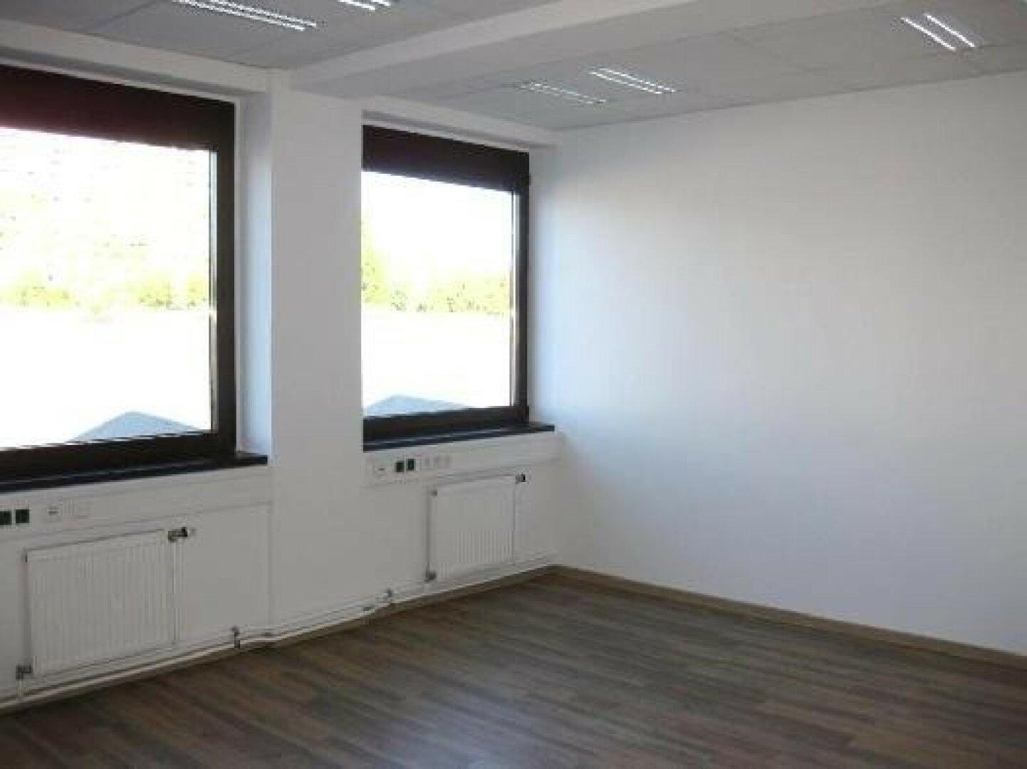 Helle, moderne Büroräume - ERSTBEZUG