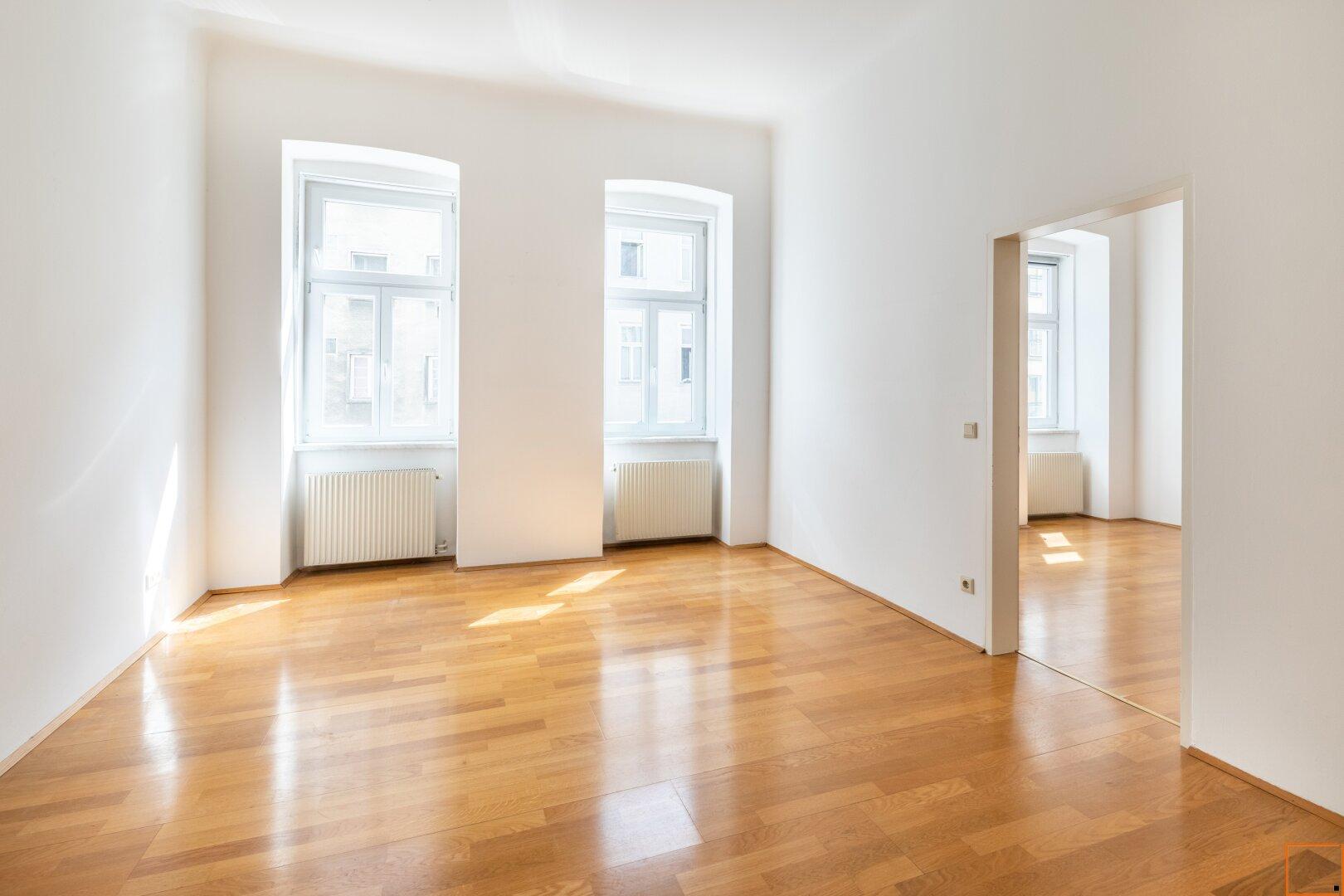Wohnzimmer ( ca. 19,5 m²)