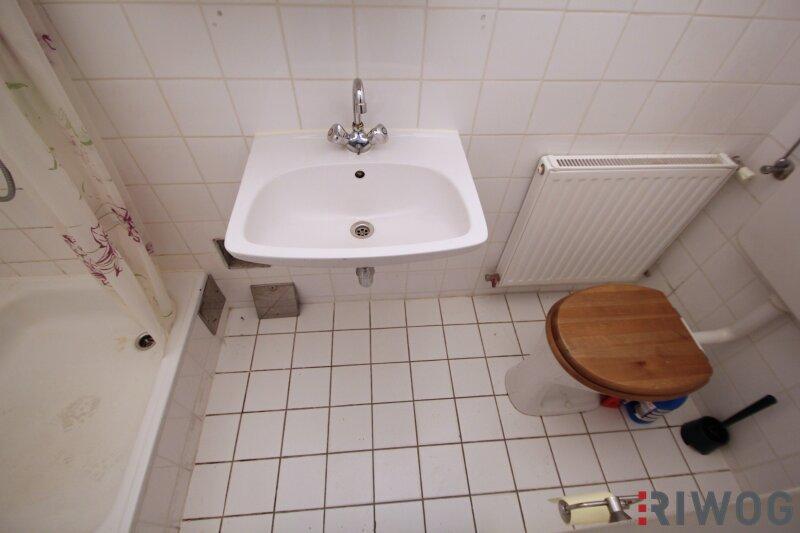 ***Charmante Altbauwohnung---Saniertes Haus---Schlafzimmer mit Innenhoflage*** /  / 1050Wien / Bild 9