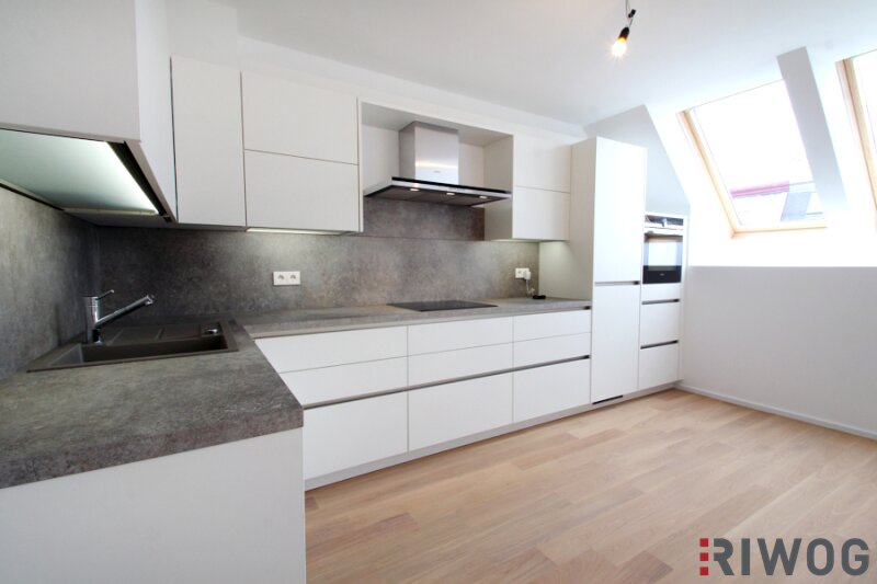 !!! Erstbezug der 3 Zimmer Dachgeschoss - Maisonette mit luxuriöse Ausstattung und zwei hofseitigen Terrassen !!!