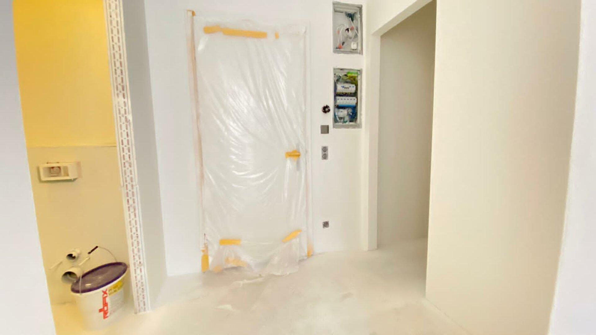 Vorraum - Zugang Toilette und Abstellraum