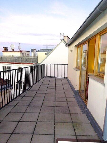 Terrassenhit im Zentrum Wiens: Dachgeschoß-Maisonette (Aufstockung 1997), 125 m2 Wohnfläche + 20 m2 Terrasse, 4 getrennt begehbare Zimmer, Linie 1 + 62 + WLB-Laurenzgasse! /  / 1050Wien / Bild 6