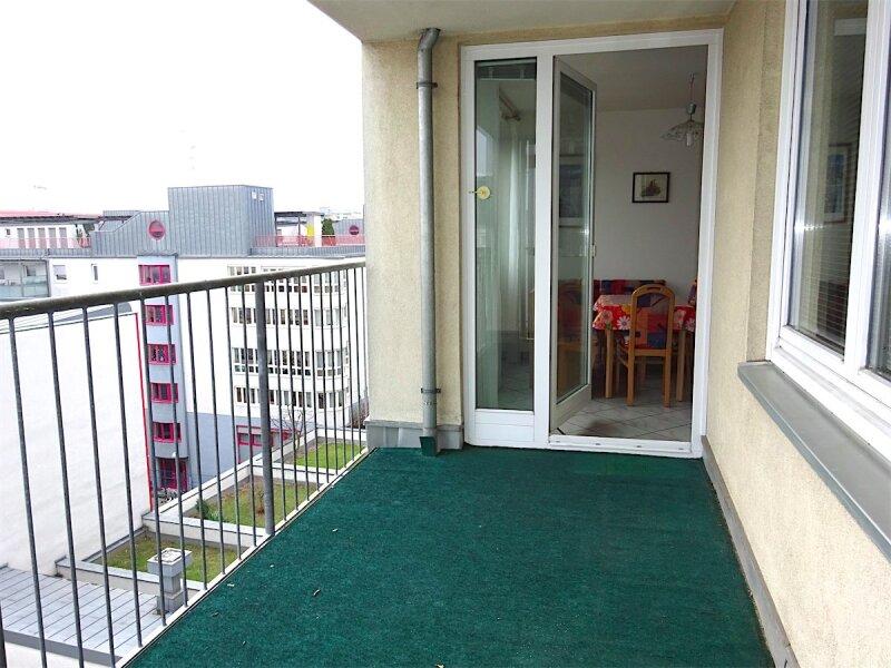 Loggiaweitblick:  2 Zimmer + Wohnküche, 6. Liftstock, Baujahr 1995, sonnig + ruhig, U3-Nähe! /  / 1030Wien / Bild 10