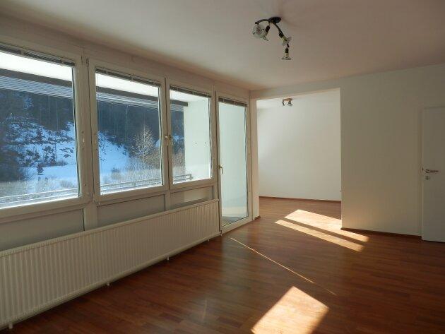 Foto von Sanierte Loggiawohnung mit Waldblick - auf Wunsch vollmöbliert
