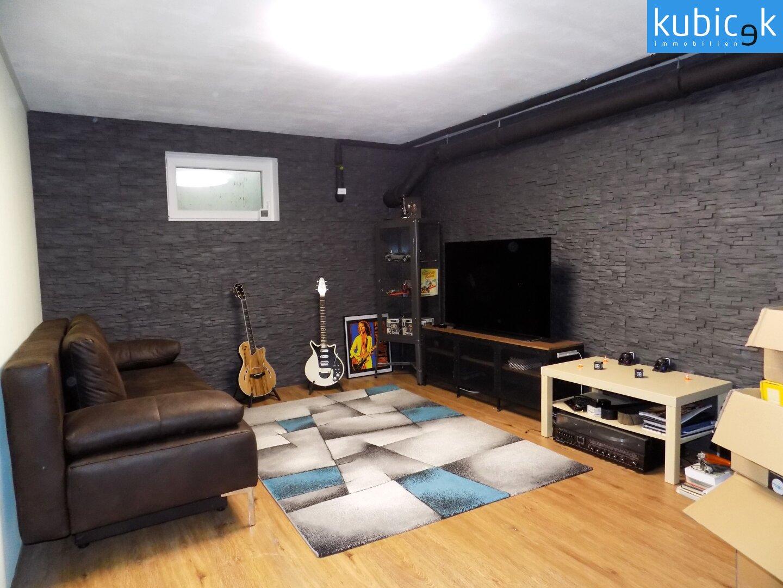 Musikraum im Keller
