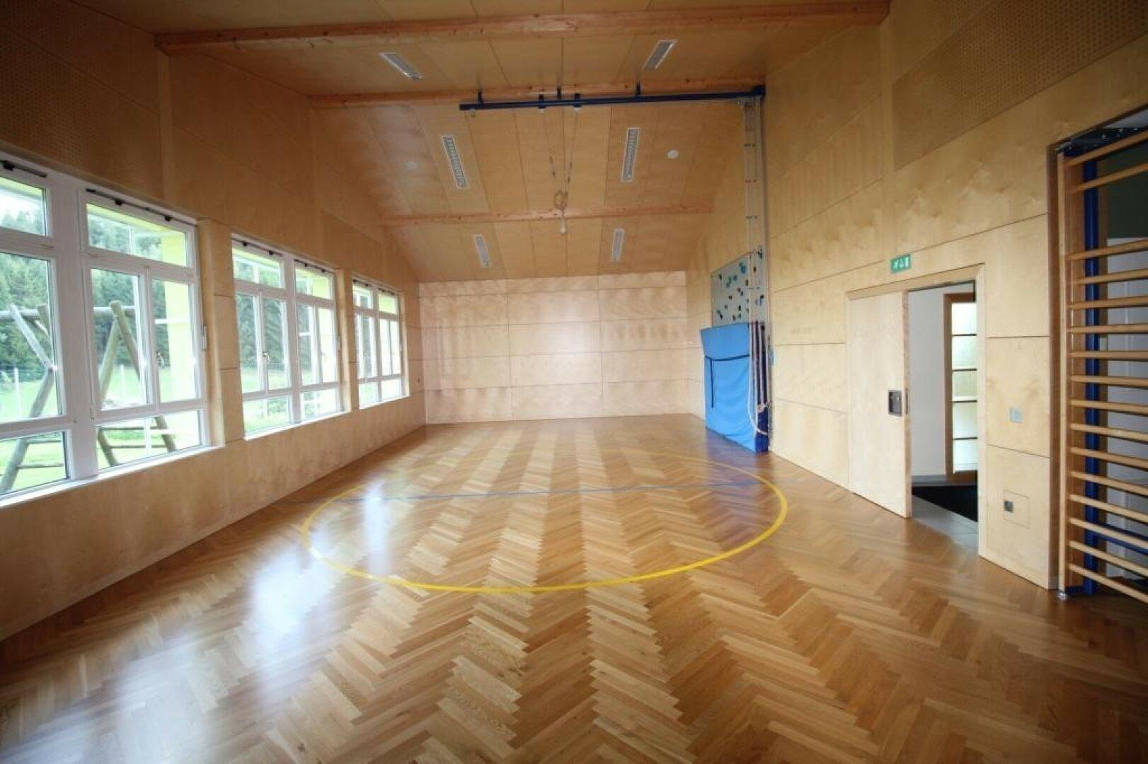 Der hochwertig ausgestattete Gymnastik-Saal lässt vieles zu....