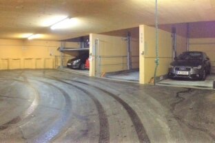 Schöne Garagenplätze bei der U3 Hütteldorfer Straße