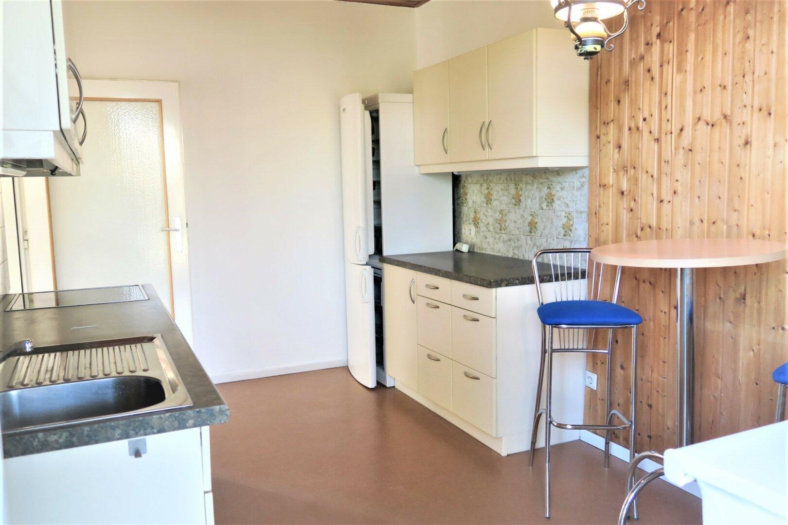 Einbauküche mit Terrasse
